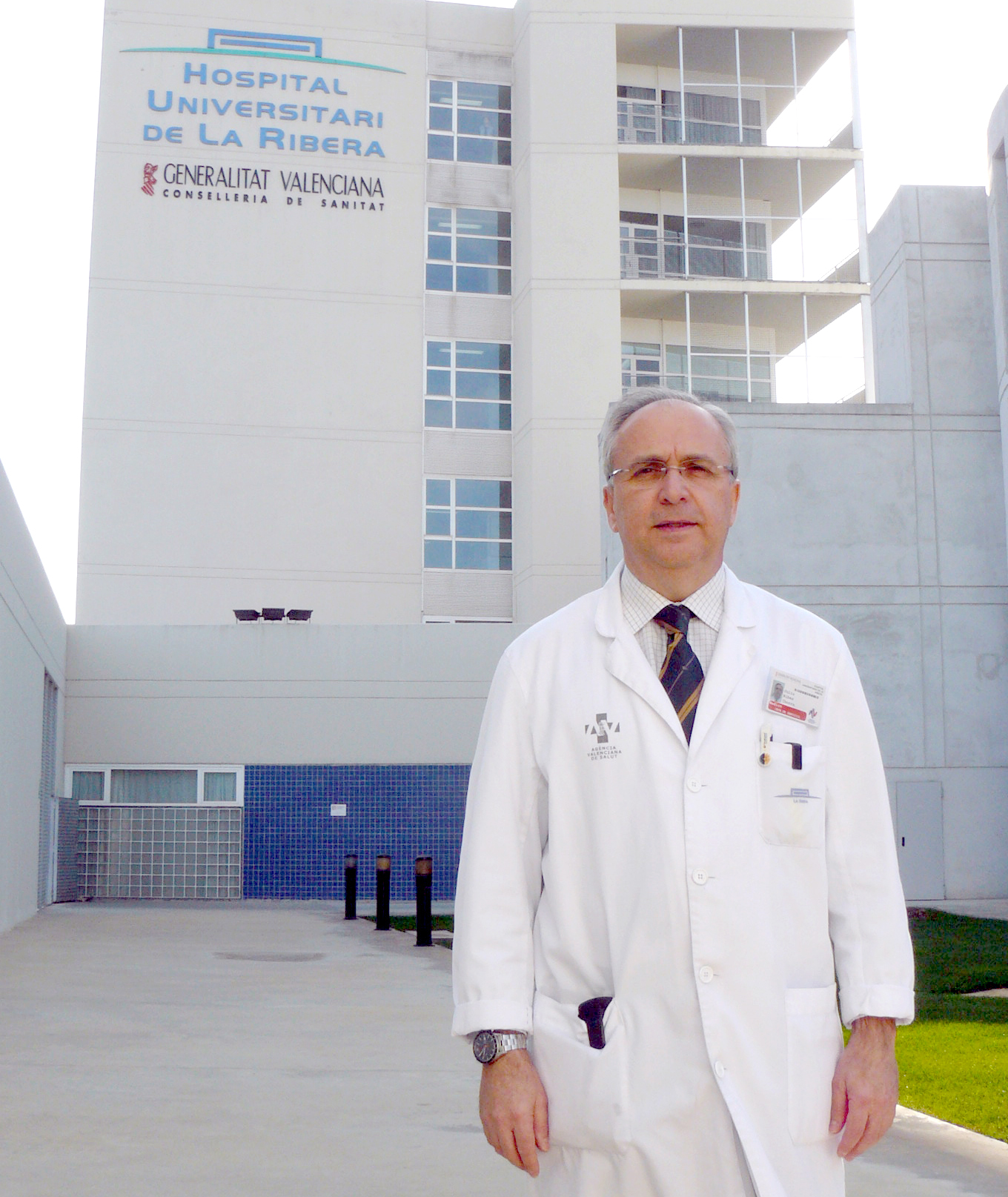 Dr. Julio Ribes